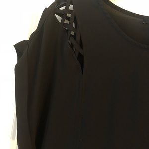 Ro & De Black Top With Cut Outs